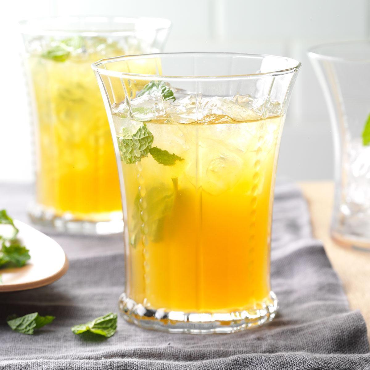 Arkansas: Apricot Lemonade Iced Tea