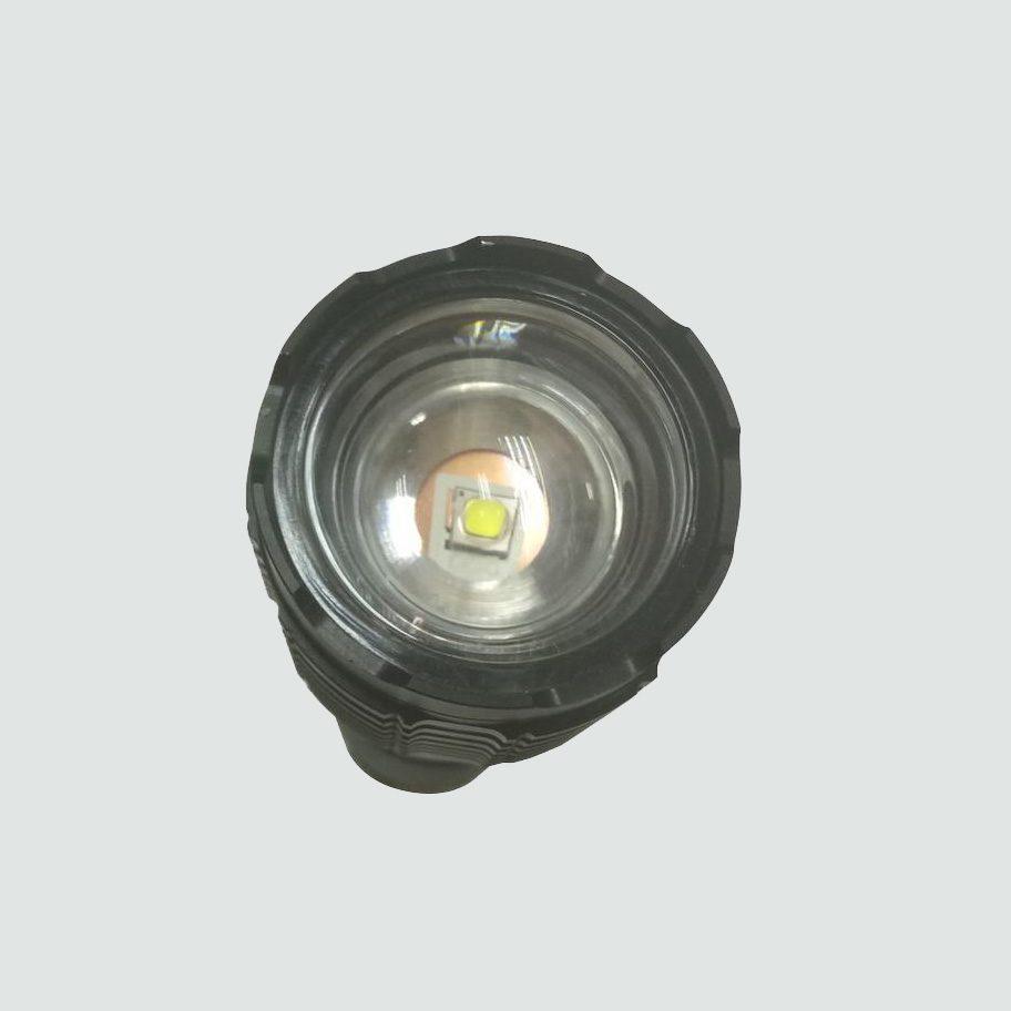 Zoom Focus Flashlight Combo Pack