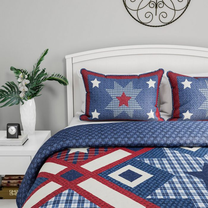 Americana Reversible Quilt Set
