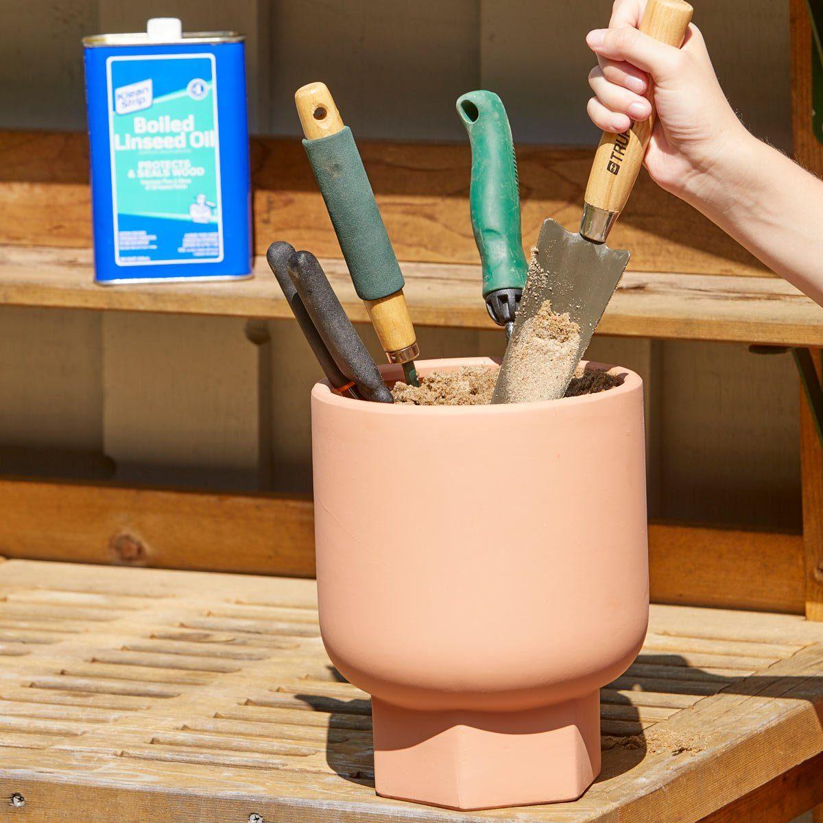 HH no rust garden tool pot holder
