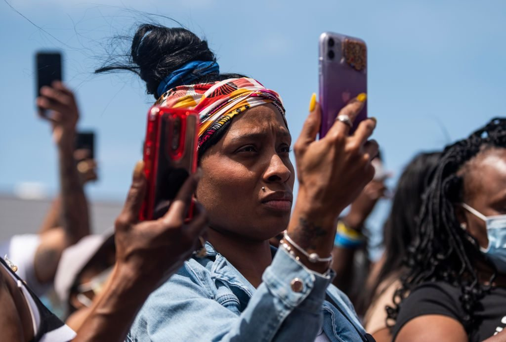 Why You Should Change Your Phone Settings Before Protesting