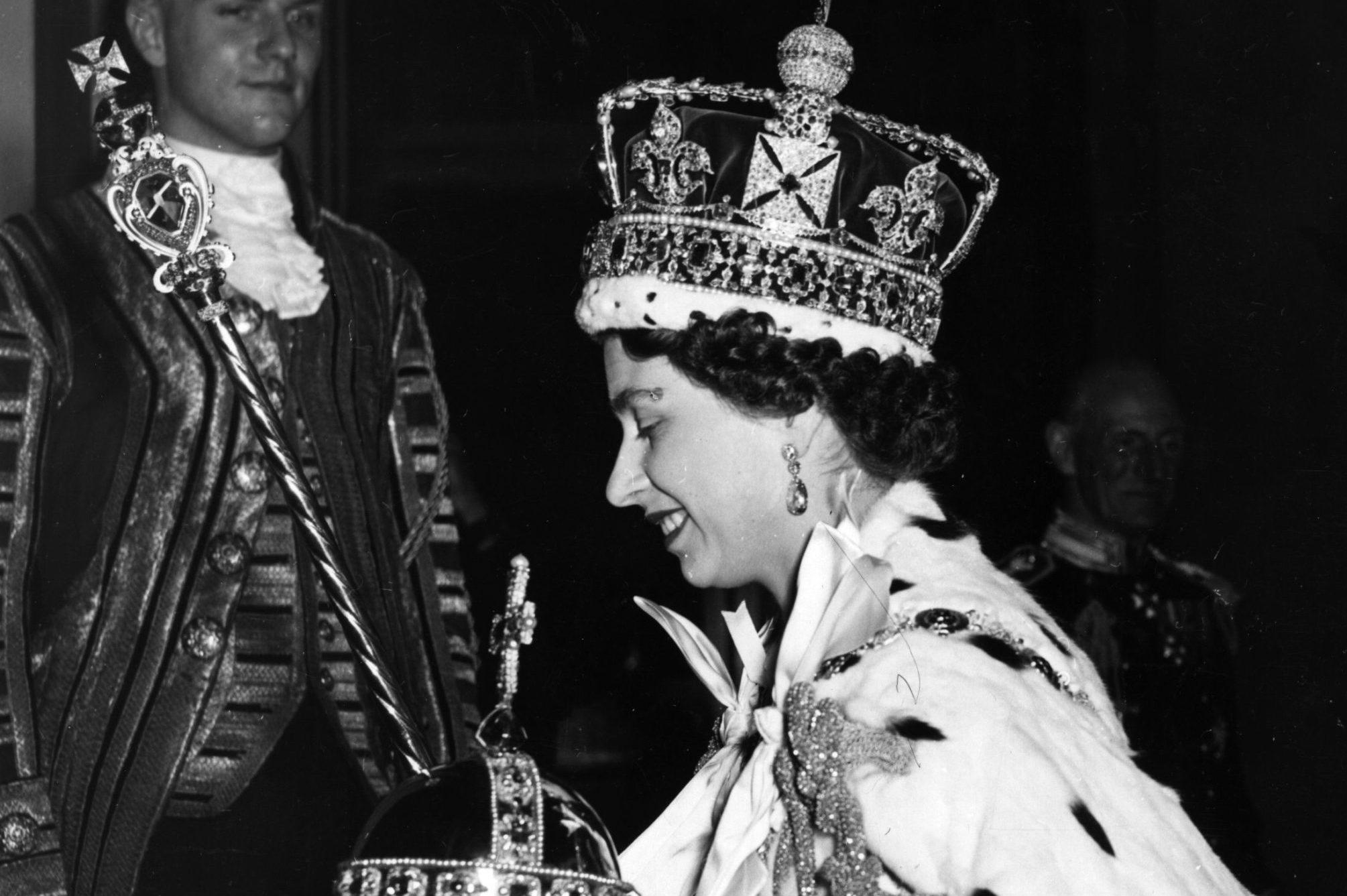 Queen And Regalia