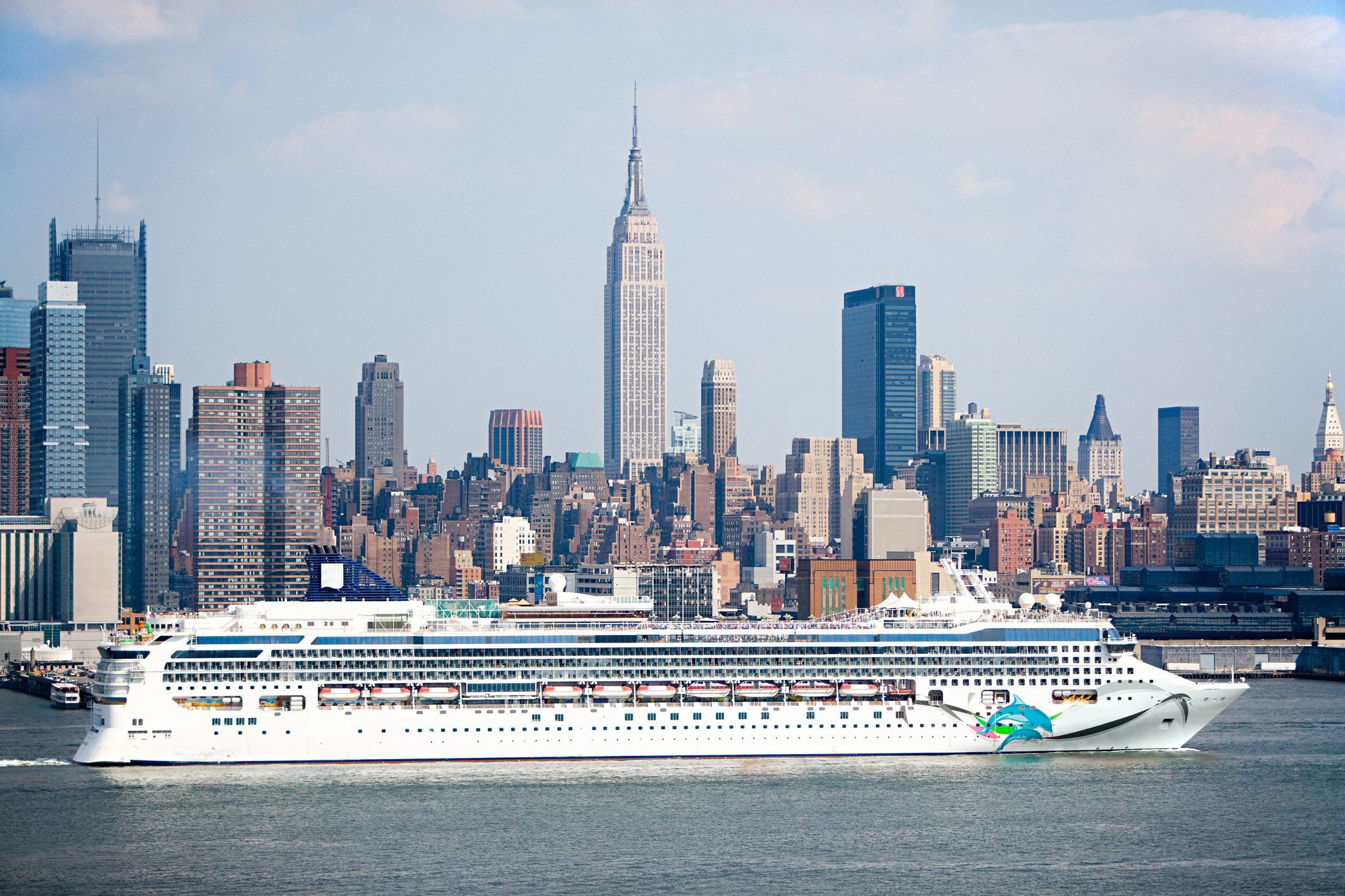Cruise ship on hudson river new york