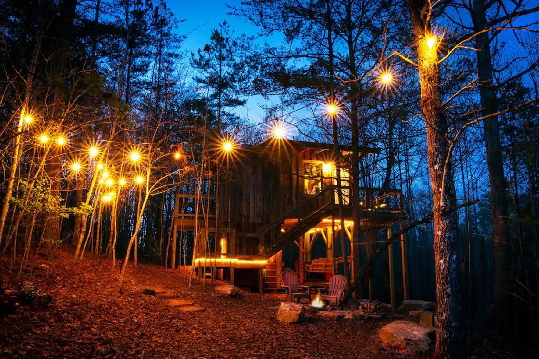 The Stella Vista Treehouse in Walhalla, South Carolina