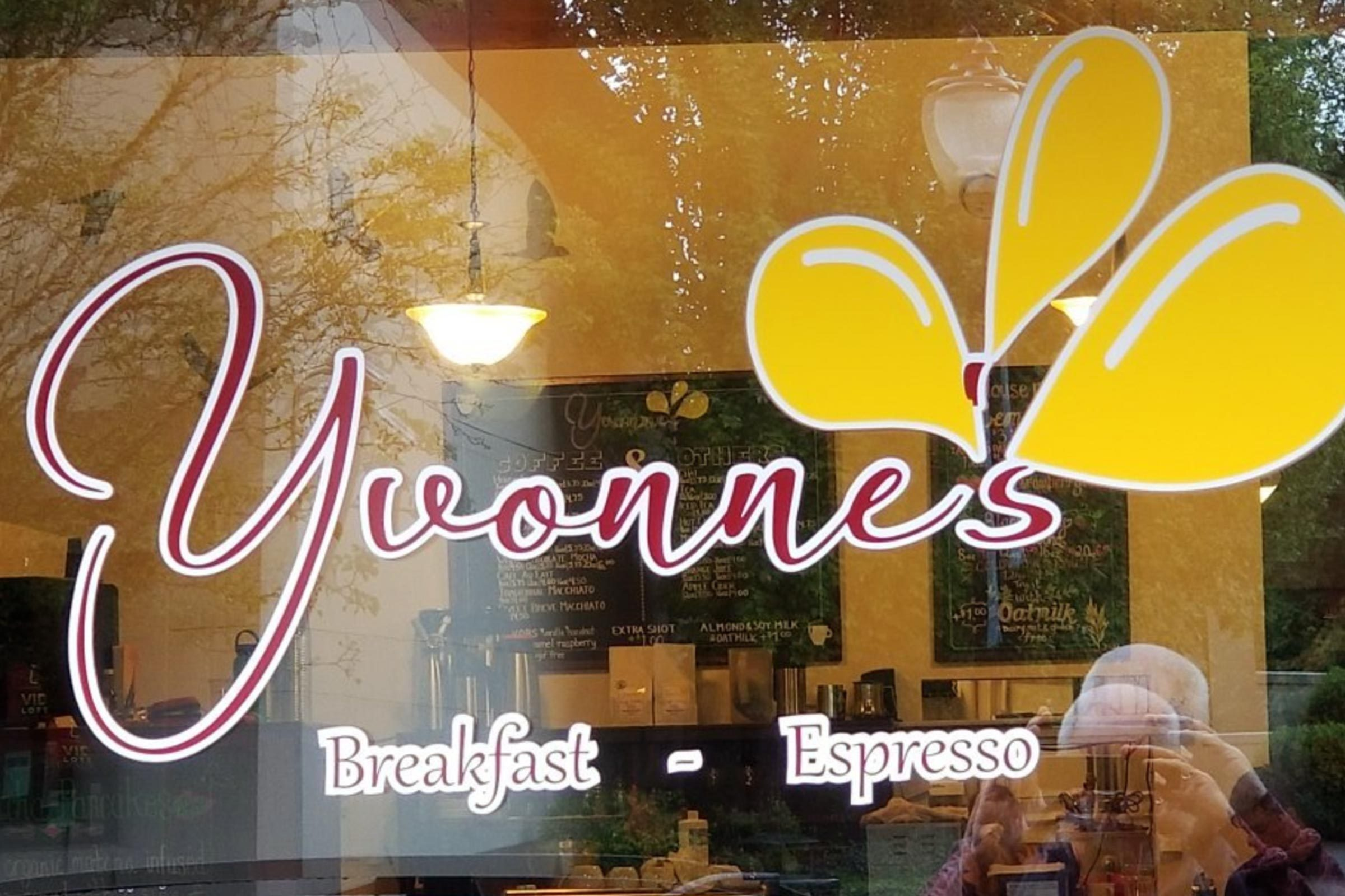 Yvonne's, Oregon City