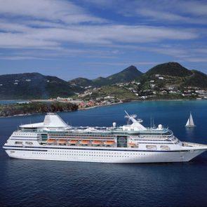 Cruise Ship at Philipsburg