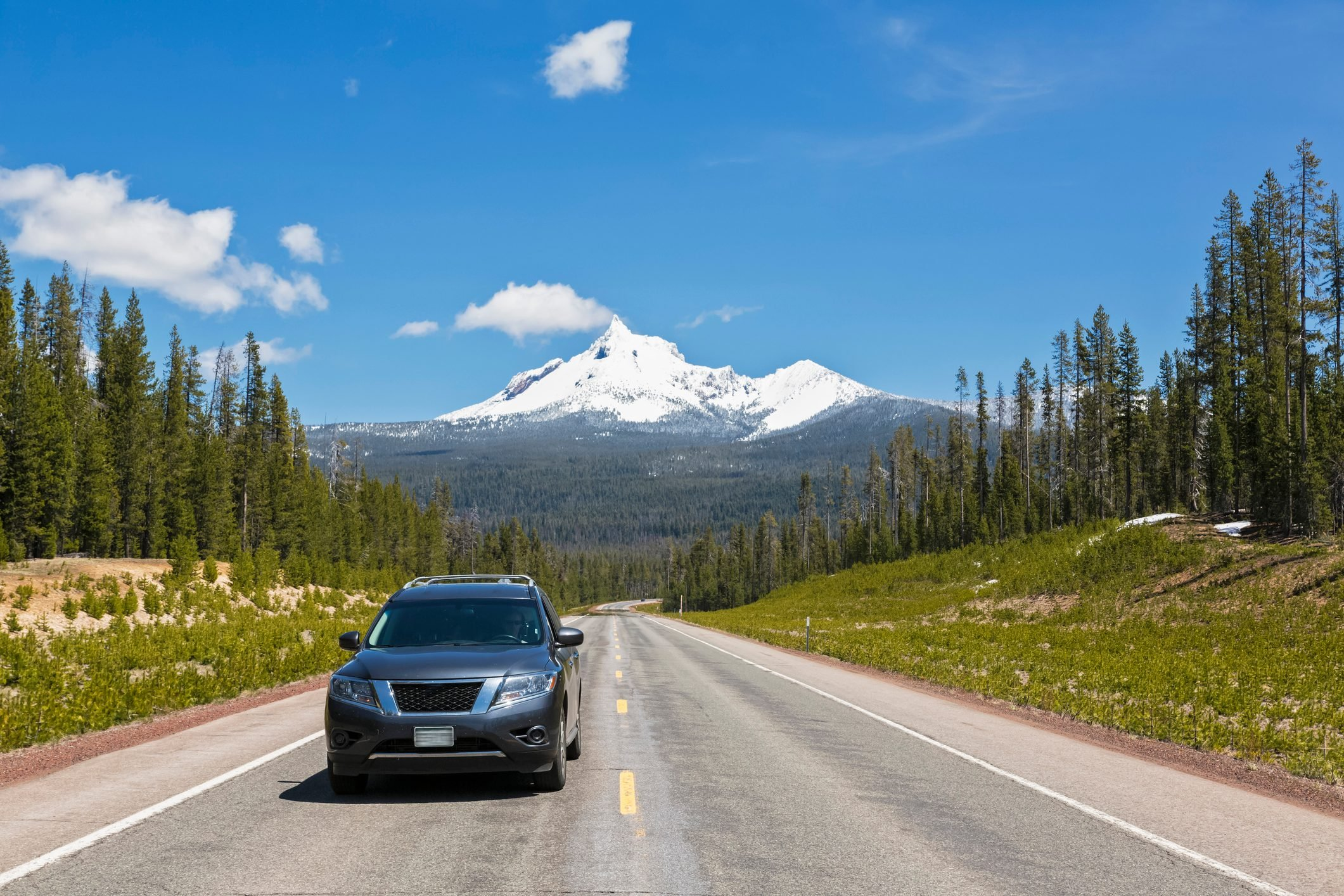 USA, Oregon, Diamond Lake Highway, Mount Thielsen