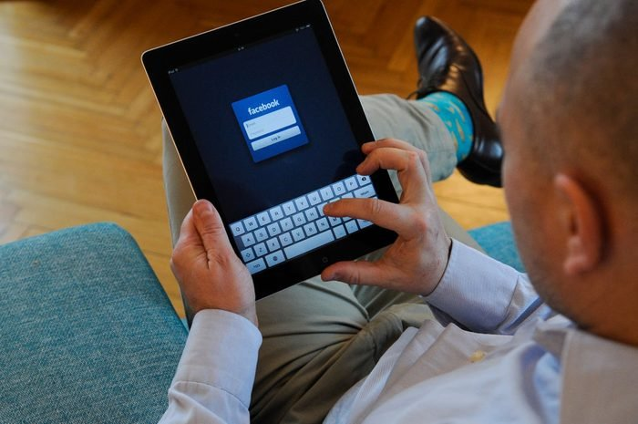 News and Social Media on Portable Devices