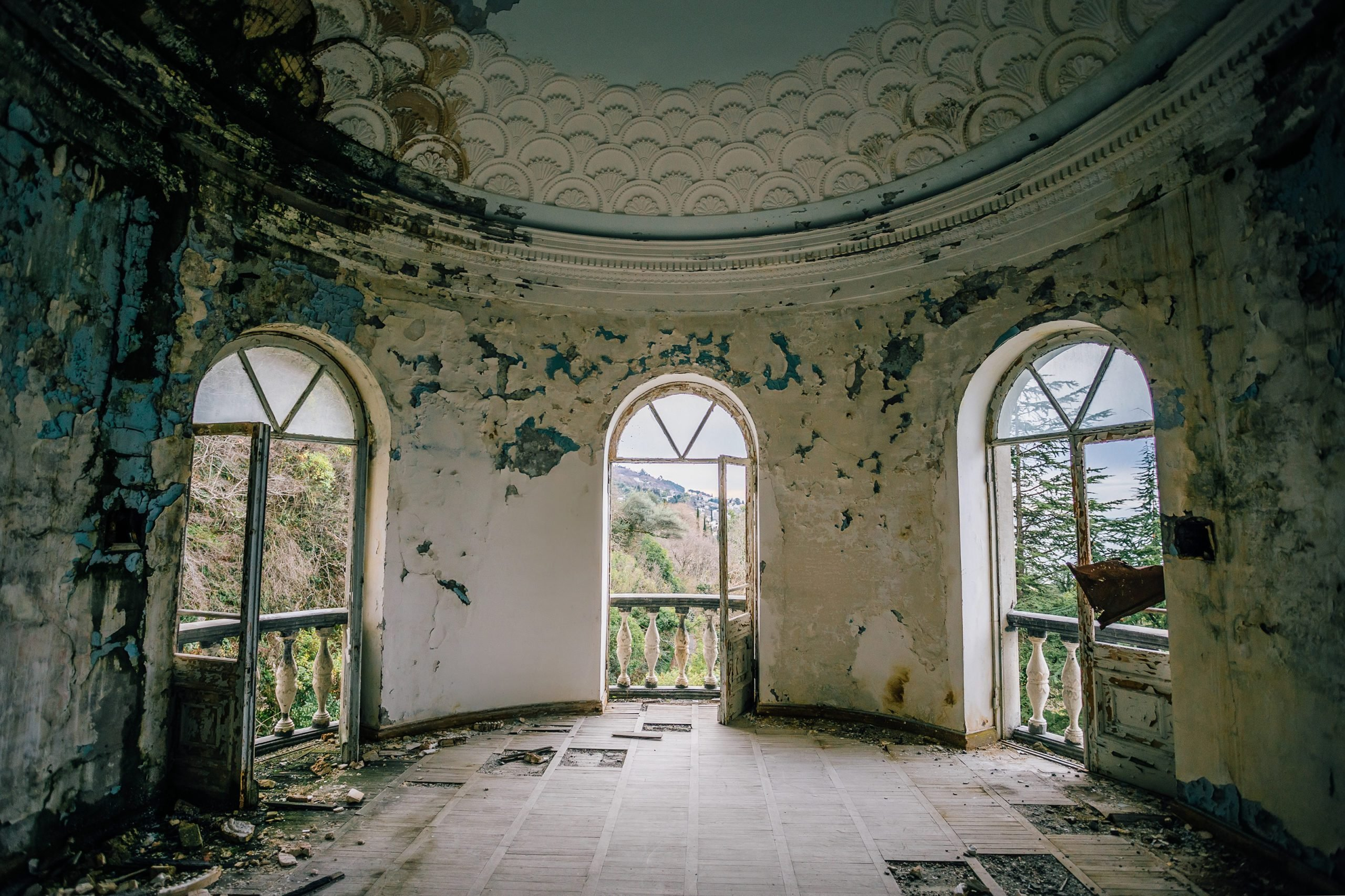 Old ruined abandoned mansion, interior of round hall