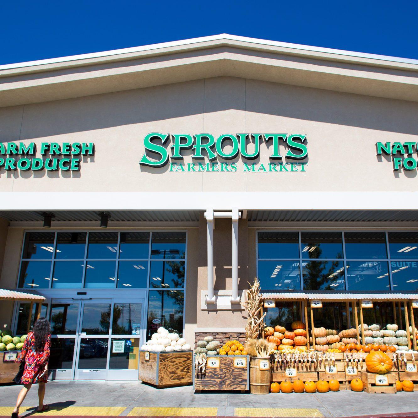 Santa Fe, NM: Woman Enters Sprouts Farmers Market