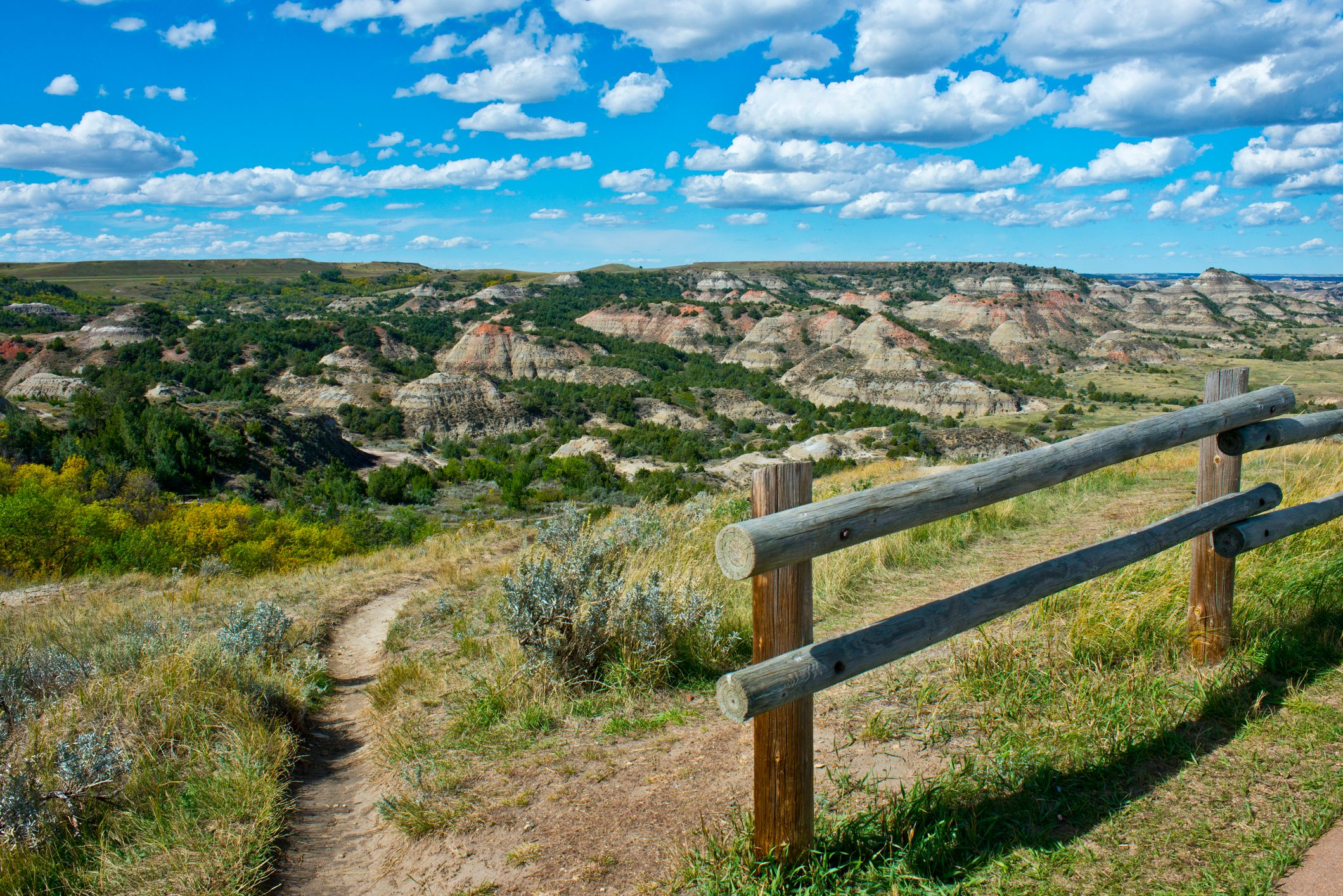 Painted Canyon Overlook, South Unit, Theodore Roosevelt National Park, Medora, North Dakota, USA