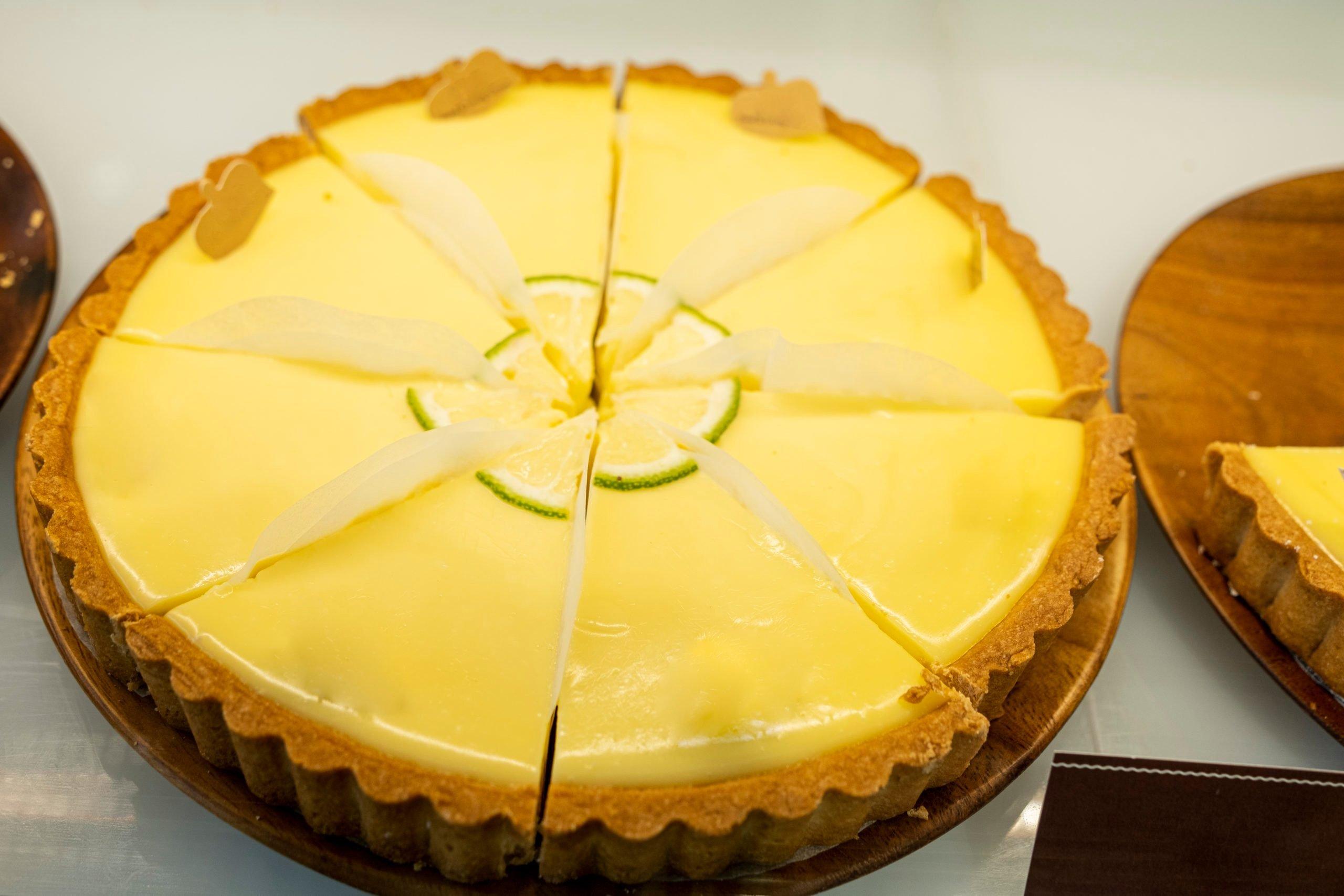 Lemon Yogurt Mousse Cheese Pie