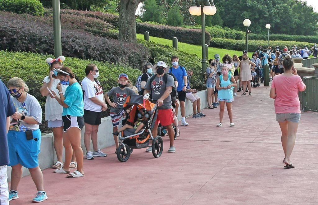 US-HEALTH-VIRUS-ENTERTAINMENT-DISNEY-TOURISM