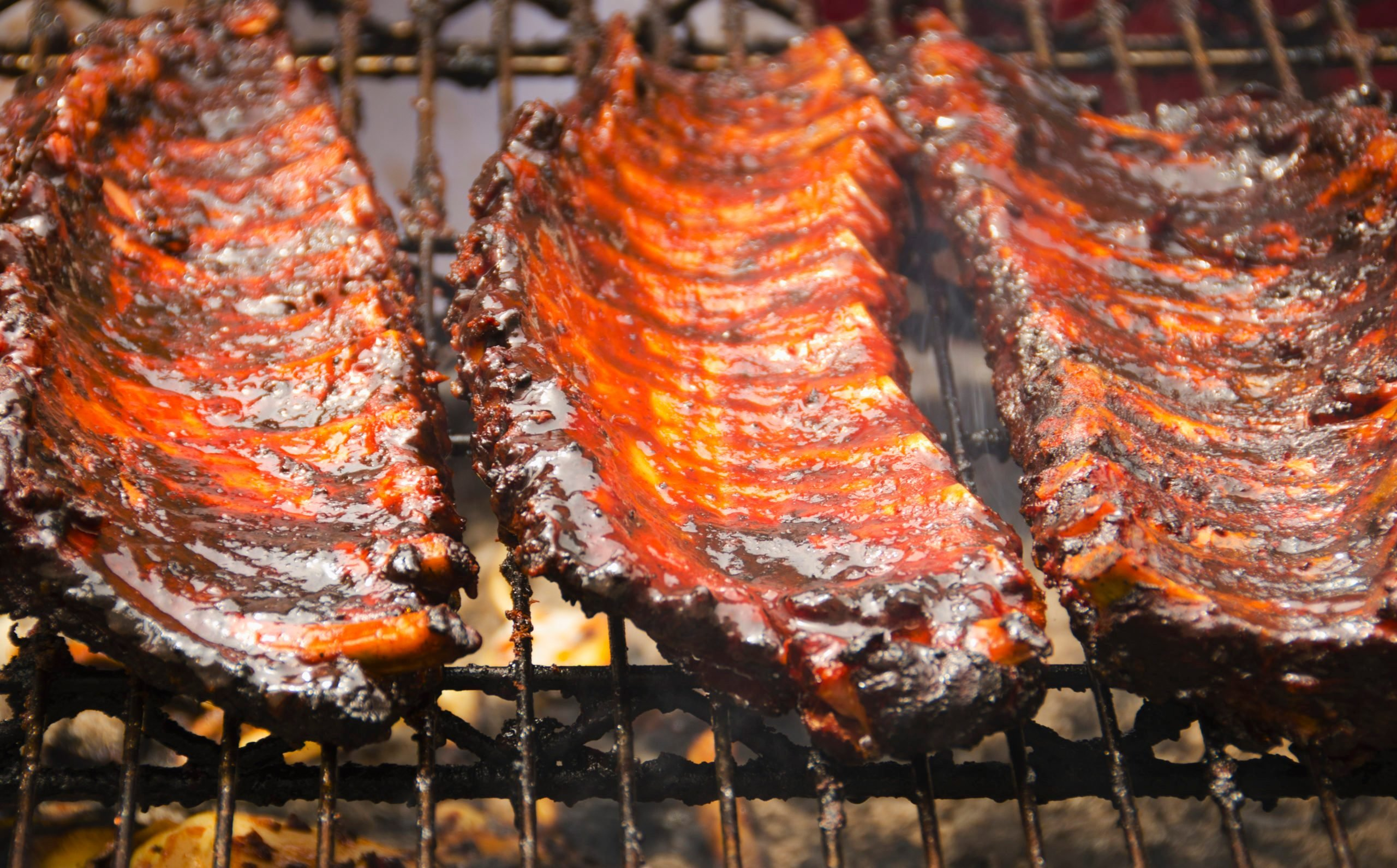 USA, New York, New York City, Spareribs on barbeque