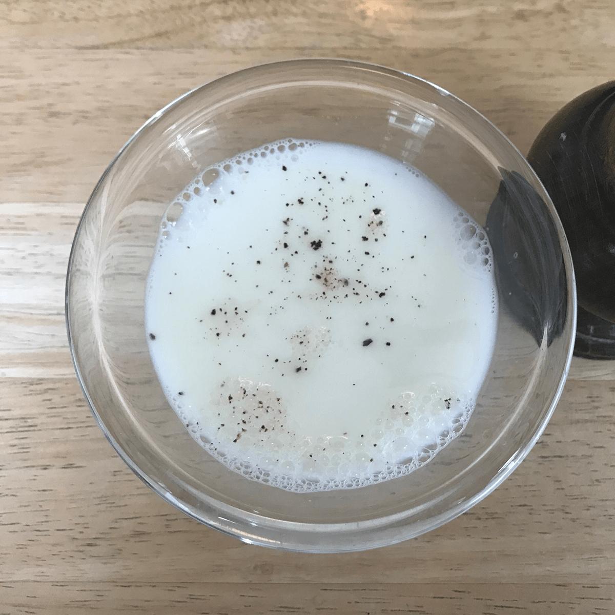 milk fruit fly trap diy