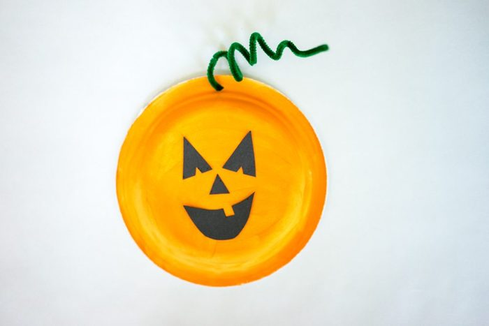 Build Your Own Pumpkin from a paper plate kids halloween Craft