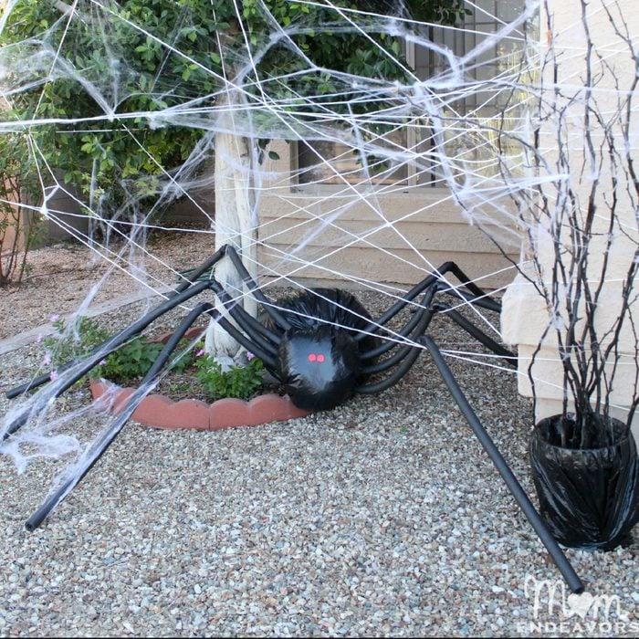 Diy Halloween Lawn Decor Giant Spider In Spiderweb