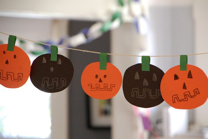 Easy Diy Halloween Garland Craft For Kids