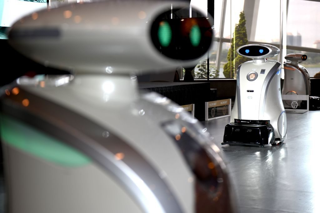 SINGAPORE-ENVIRONMENT-CLEANING-ROBOT