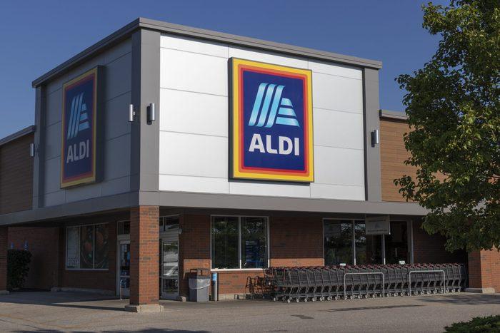 Aldi Discount Supermarket exterior