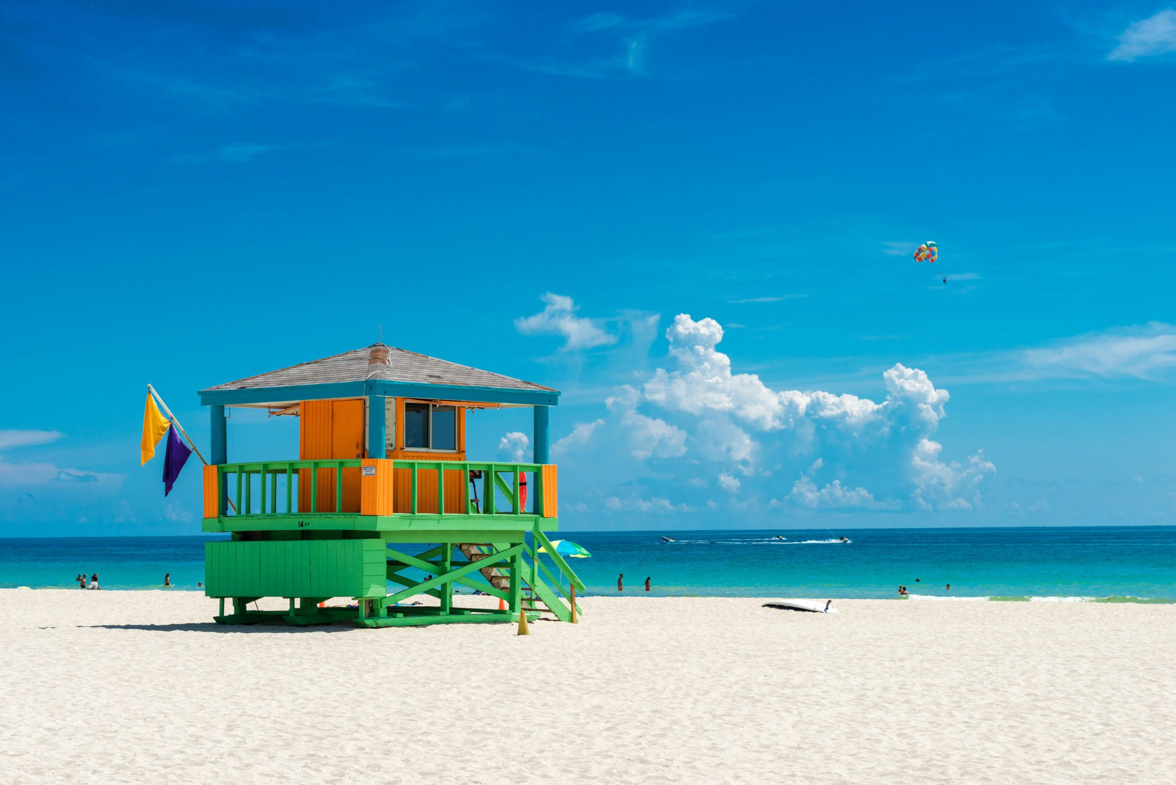 lifeguard hut Miami beach