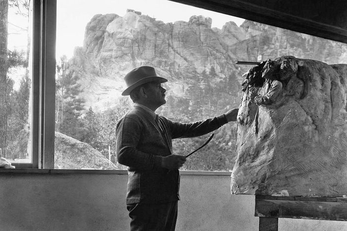 Gutzon Borglum mount rushmore sculptor