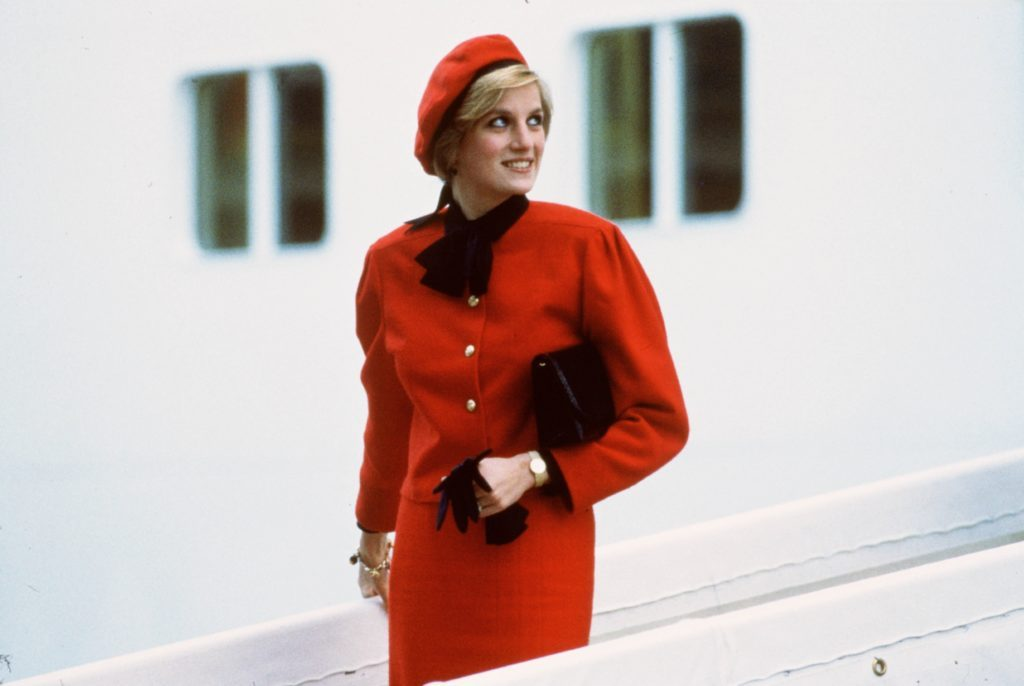 Why You Rarely Saw Princess Diana Wearing Gloves
