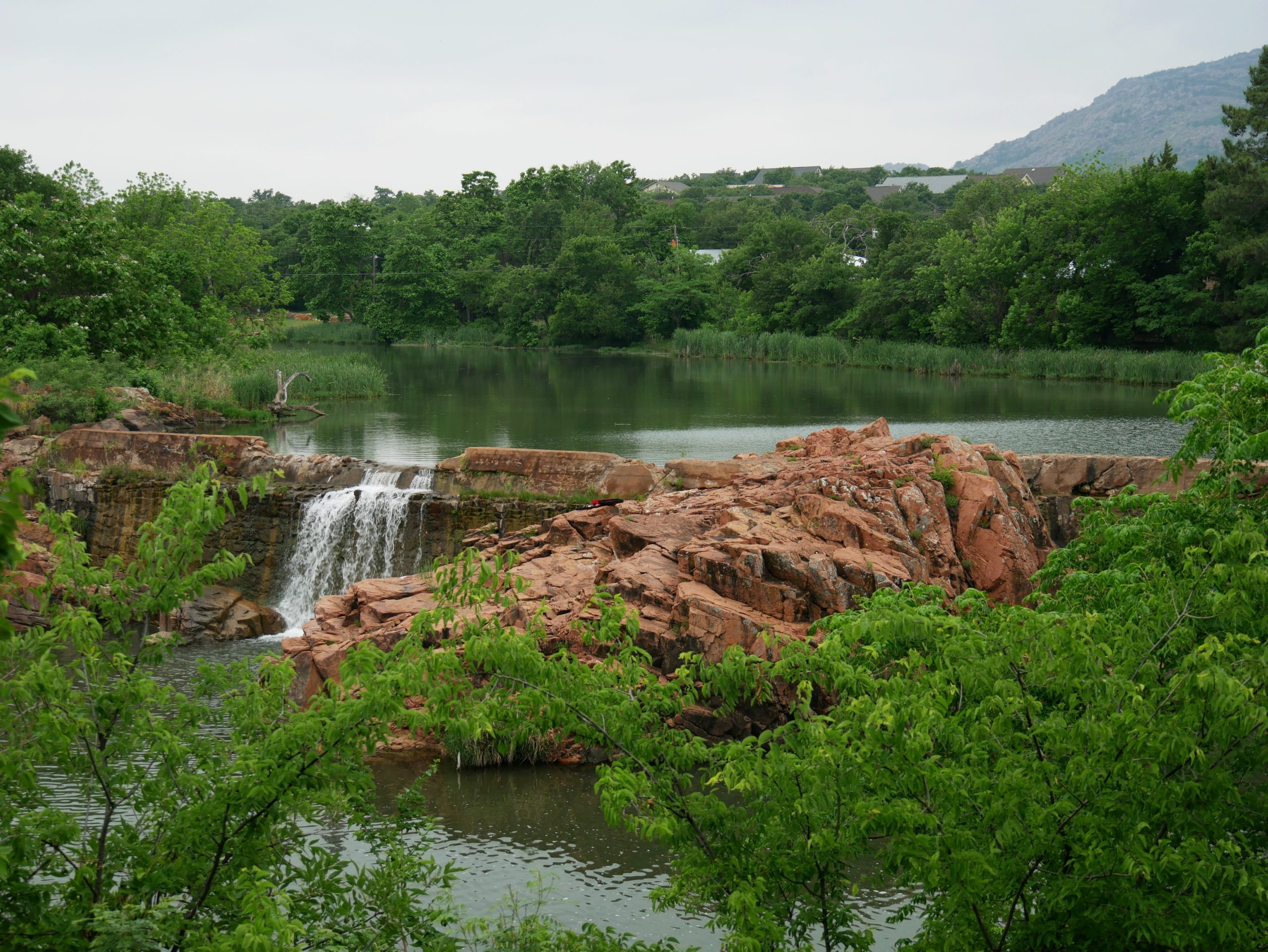 the scenic bath lake with waterfalls