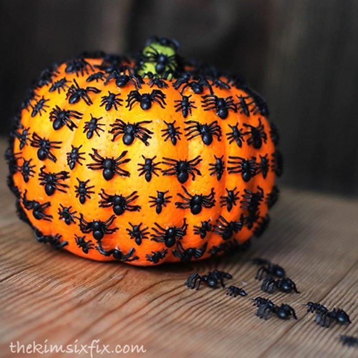 Creepy Crawly Spider Pumpkin Via Thekimsixfix