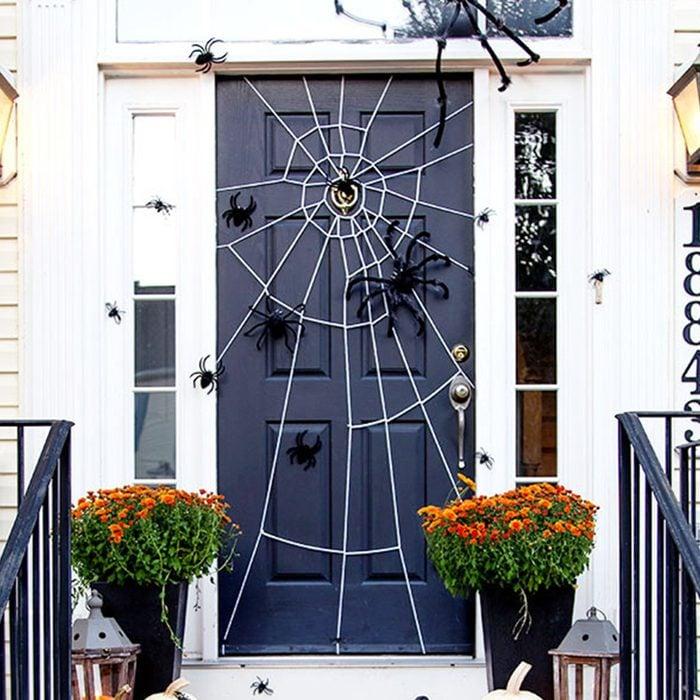 Front Door Spider Web Via Remodelandolacasa
