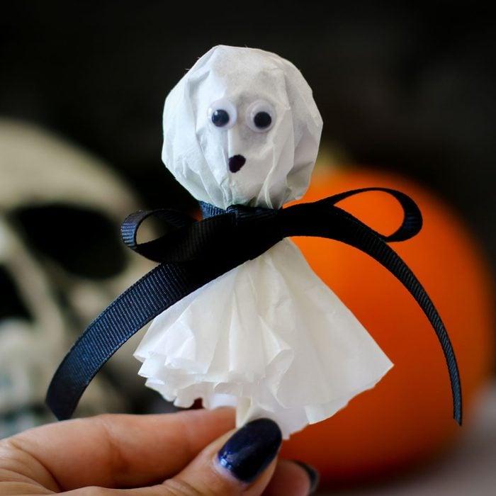 Halloween Kids Diy lollipop ghost craft