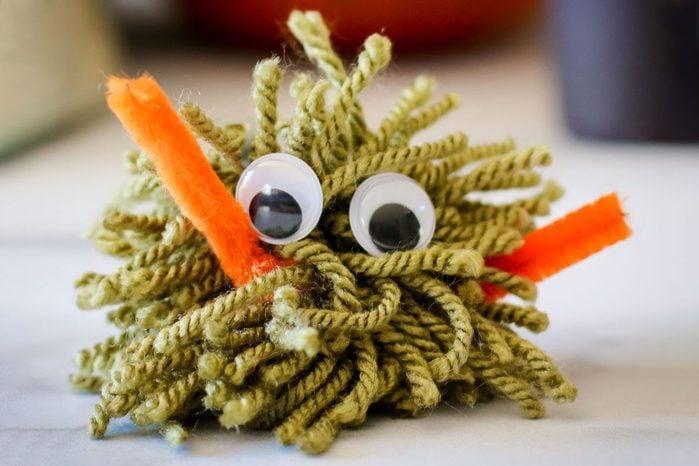 yarn monster Halloween Kids Diy craft