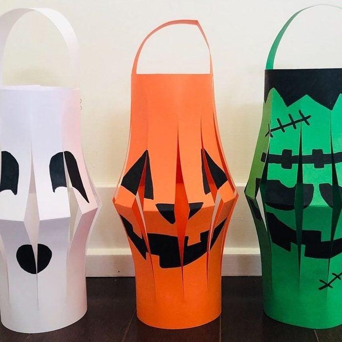 Halloween Paper Lanterns Via Awesomelycraft