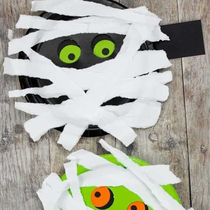Moving Eyes Mummy Plate Via Kidscraftroom