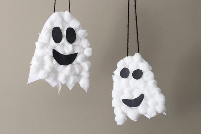 Puffy Ghosts halloween craft for kids