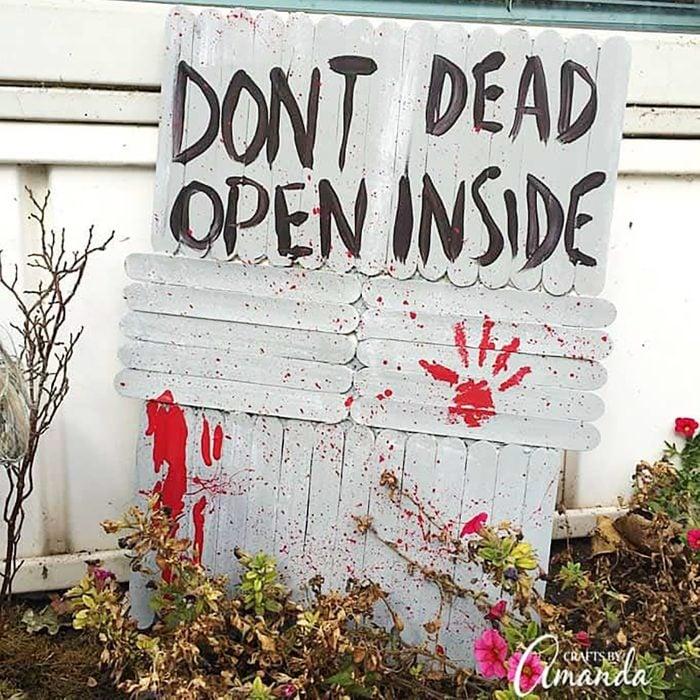 don't open, dead inside halloween sign