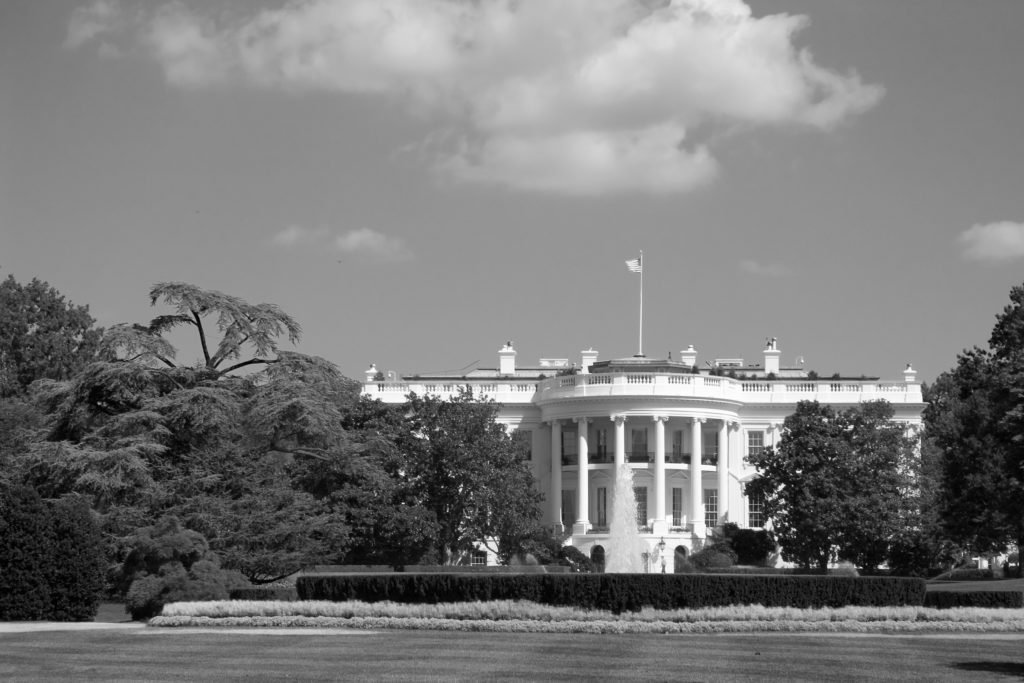 The whitehouse backside B&W