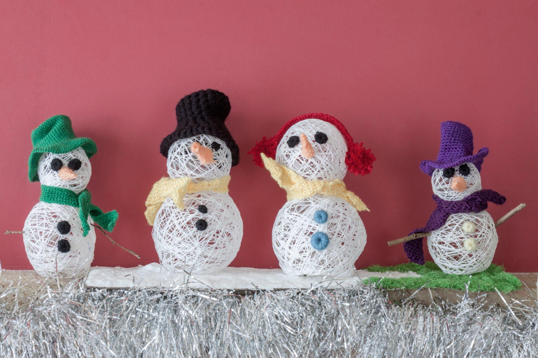 Xmas decorations crafts fireplace snowmen