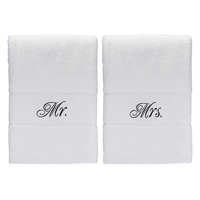 Romance Helpers Towel Set