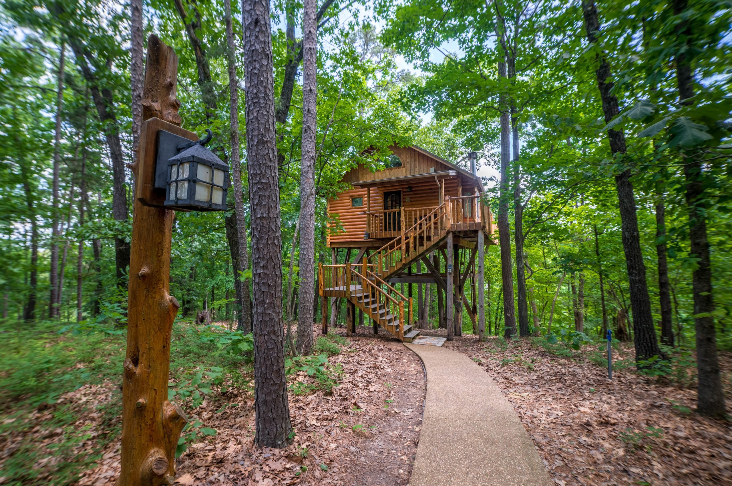 Credit Treehouse Cottages arkansas