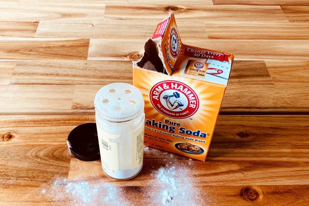 Baking soda in spice jar storage hack