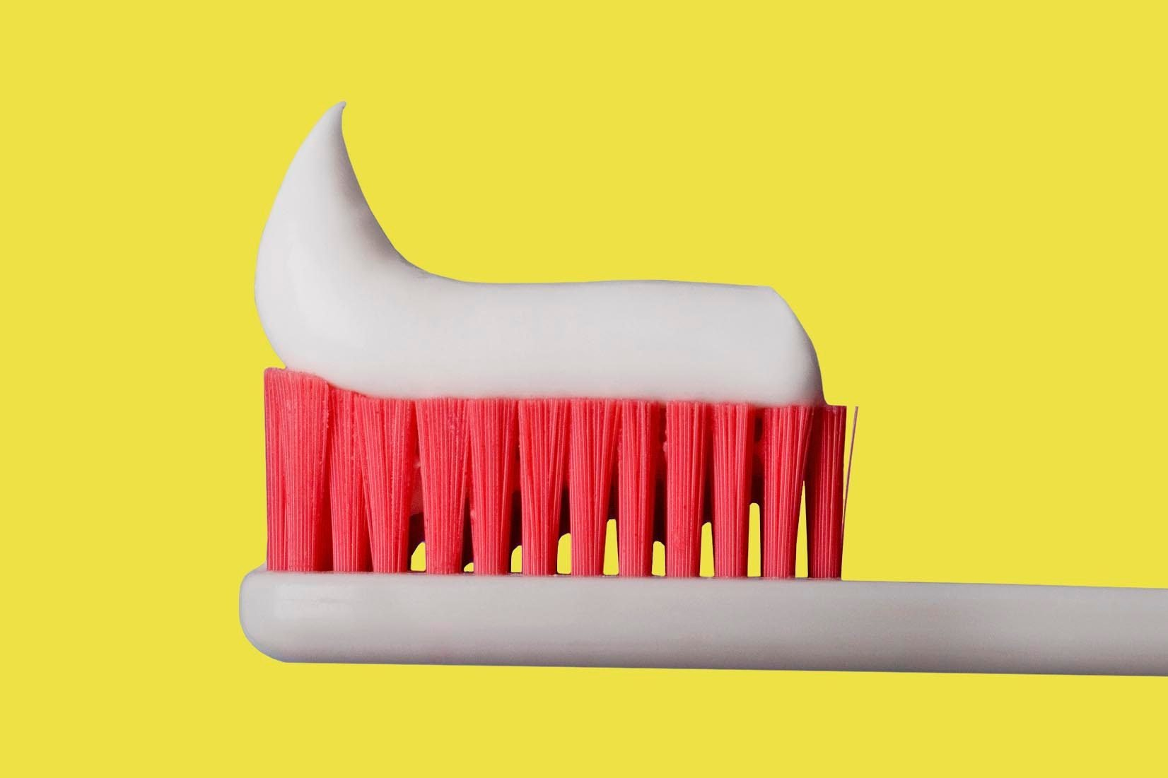 toothpaste cleaning tricks