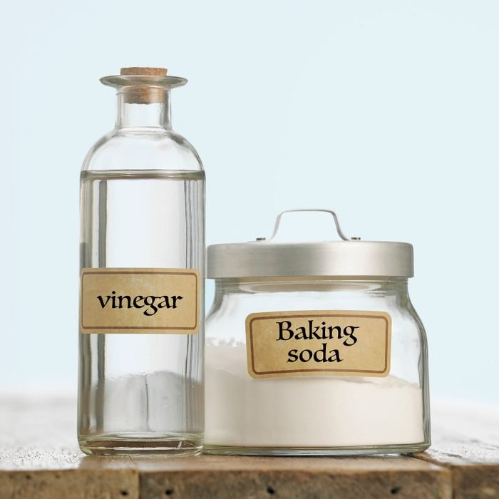 vinegar and baking soda used for laundry