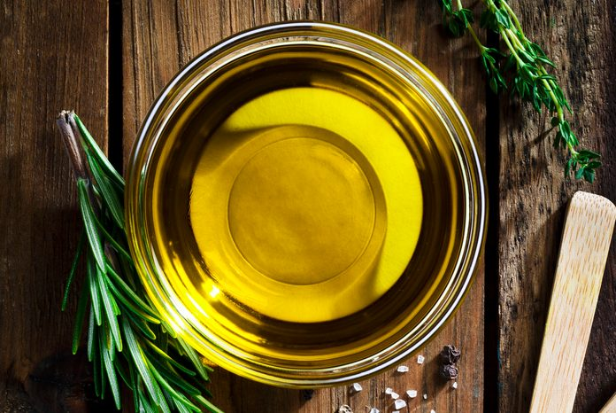Flavoring: olive oil, garlic, pepper, salt and rosemary