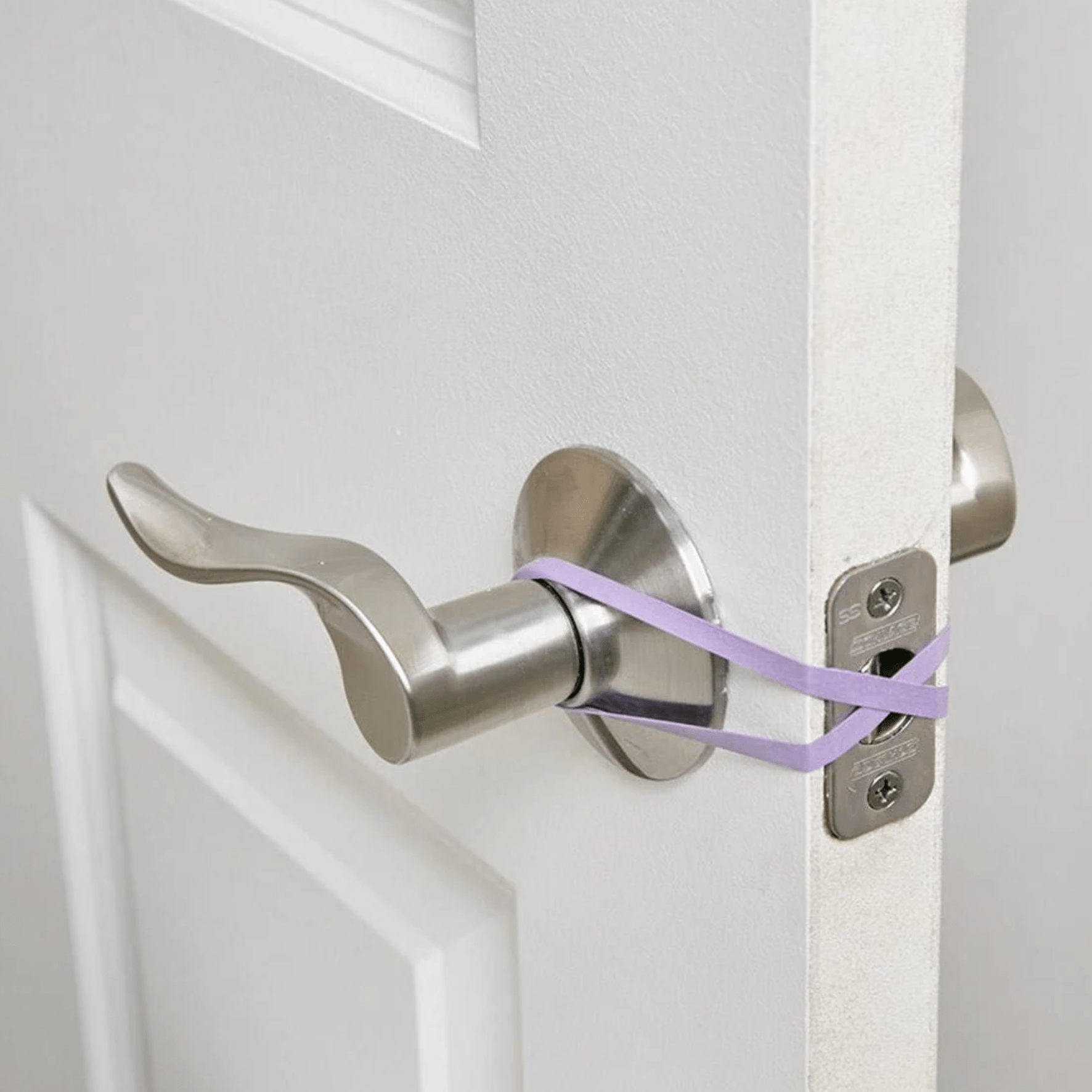 No-Latch (or Hands-Free) Door Trick with rubber band