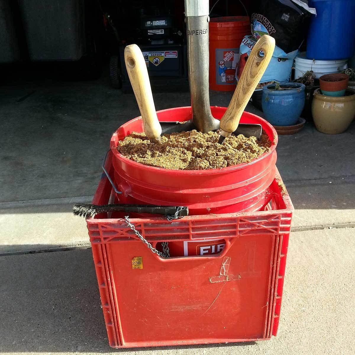 de-Rust Garden Tools