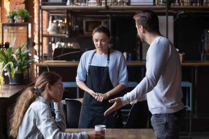 Furious client couple get mad about cafe bad service