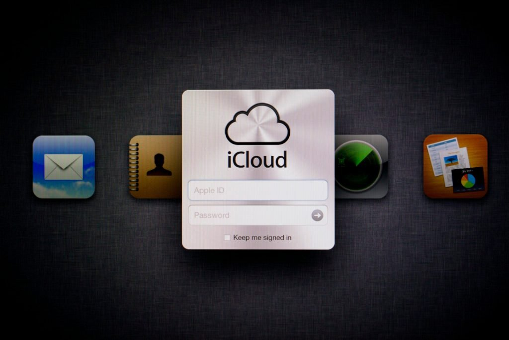 Apple iCloud login prompt