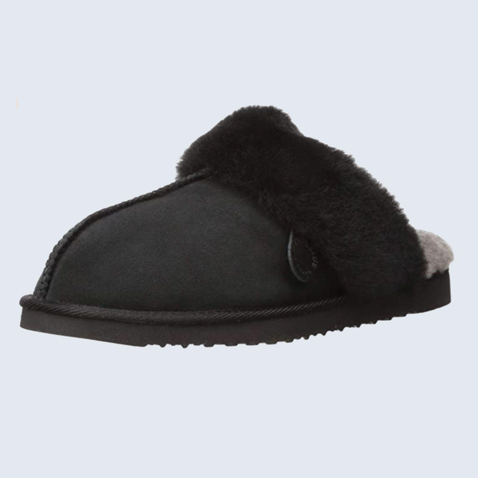 Best slippers for wide feet: Dearfoams Fireside Shearling Slipper