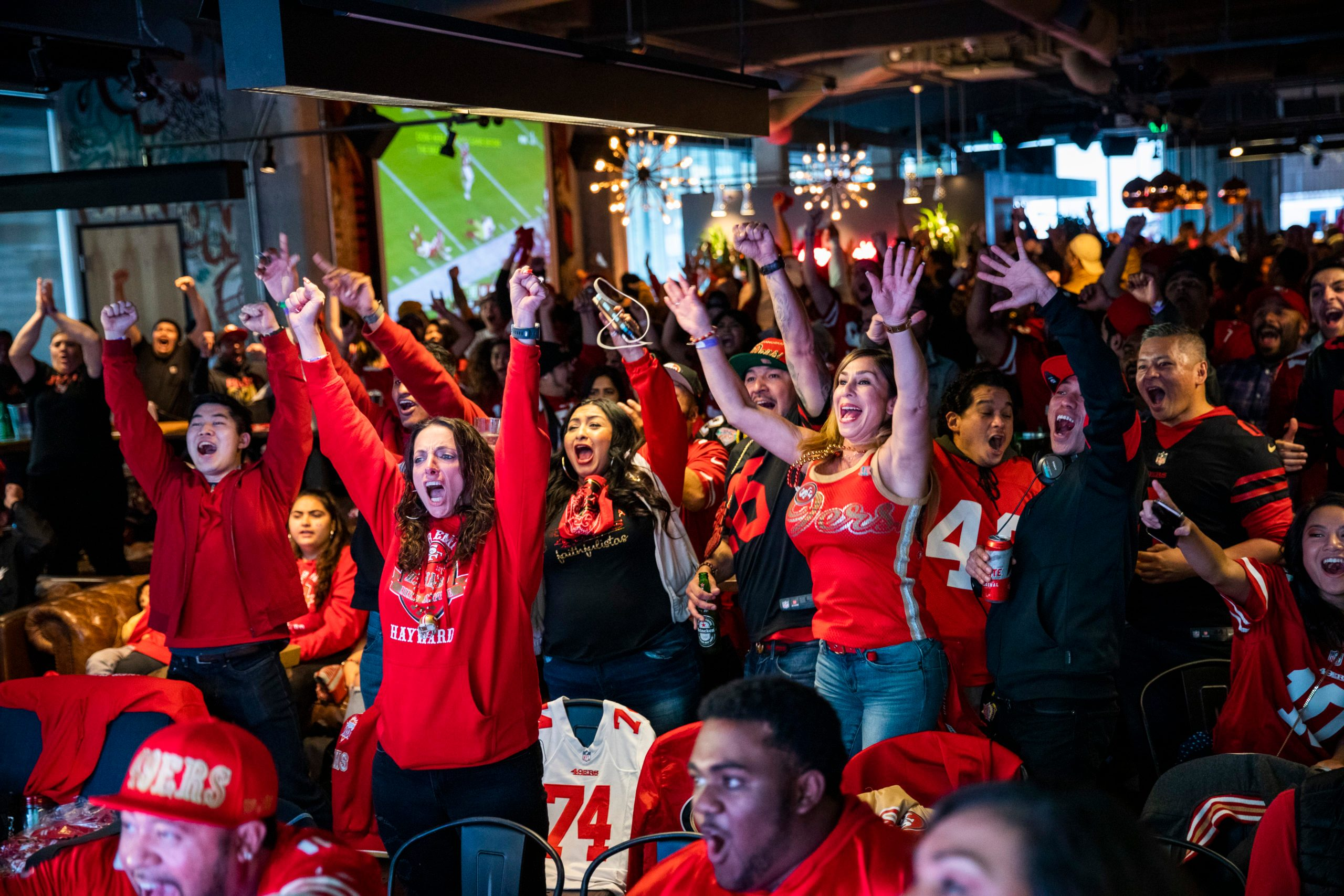 San Francisco 49ers' Fans Watch Their Team's Super Bowl LIV Match Up Against The Kansas City Chiefs